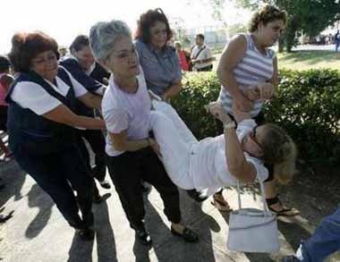 Informe del Gobierno de Cuba sobre Derechos Humanos….<----un chiste negro Cuba2151