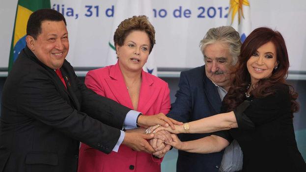 La desesperación latinoamericana Rousseff-mujica-cristina-fernandez-twitter_cymima20181124_0001_16